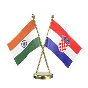 Croatia Table Flag With Brass Base And Brass Pole